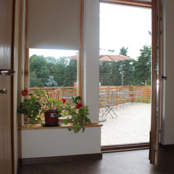 1 b Entrance terrace