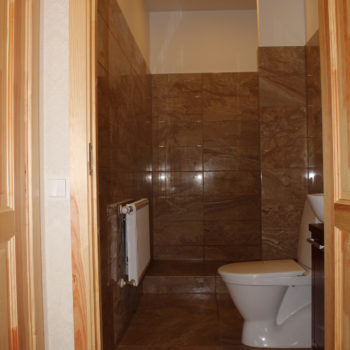 4 d Riga Deluxe Suite Bathroom
