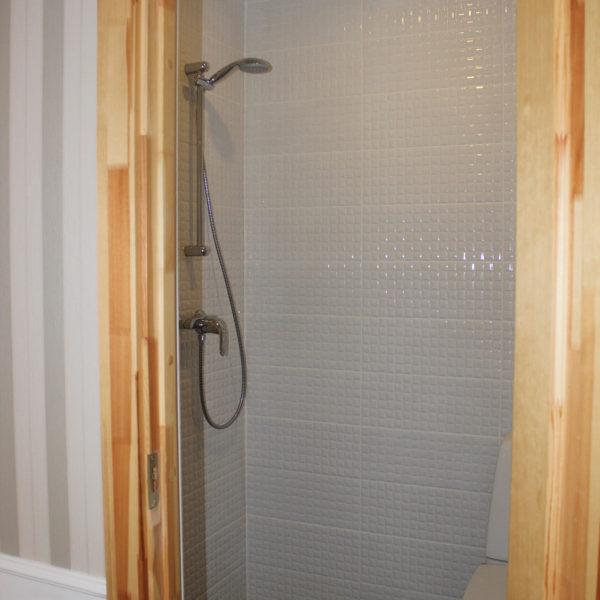 5 c Visby Charm bathroom